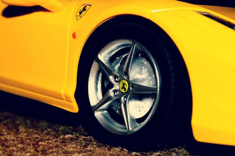 ferrai yellow